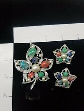 Sarah Coventry leaf pin and earring set
