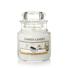 YANKEE CANDLE Candela profumata Vanilla giara media durata 90 ore