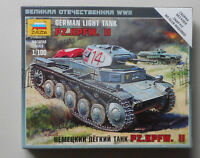 1/100 WWII German PzKpfw II Light Tank Figures Snap Zvezda 6102