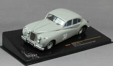 JAGUAR MKVII #30 STIRLING MOSS WINNER SILVERSTONE TOURING CAR 1952 IXO RAC239