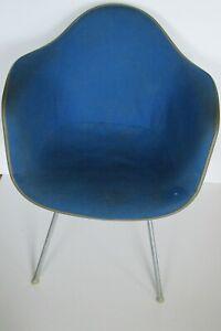 Herman Miller Vintage Original Eames Fiberglass Shell Arm Chair Blue Upholster