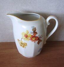 Crémier ou pot à lait en porcelaine de Tchéquoslovaquie
