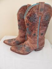 Shayanne Cowboy boots, western boots,7.5, made in mexico, turquoise details