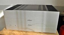 Stereoendstufe Audionet Amp1 V2 in silber.