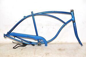 """1980 Schwinn Bicycle * FRAME FORK - CHAINGUARD - HEAD BADGE * Mens 26"""" Bike Part"""