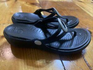 Crocs Women's Sanrah Circle Flip Flop Size 6M Black Thong Sandal Slip On