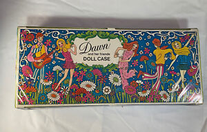 Vintage 1970 Dawn and Her Friends Doll Case With 5 Dolls And Clothes
