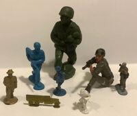 vintage plastic toy soldiers army men