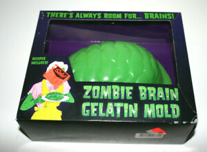 NEW 2006 ACCOUTREMENTS Zombie Green Plastic Brain Gelatin Mold +Recipes Haloween