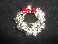 Statement Pin Brooch Silver Gold Tone Red Bow Wreath Christmas Holiday Party