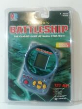 MB ELECTRONIC BATTLESHIP LCD HANDHELD GAME NEW OLD STOCK 1998 SEALED RETRO SHIPS