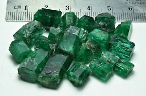 Exceptional Green Color Natural Rough Emerald Crystal Lot From Panjshir 104 Crat