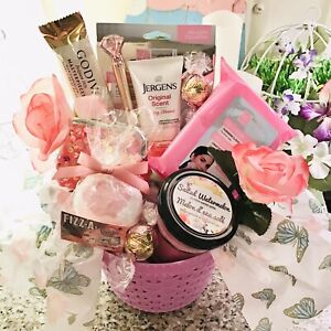 MOTHERS DAY GIFT BASKET BATH N BODY GODIVA LINDT BEAUTY FACE CANDLE FLOWERS