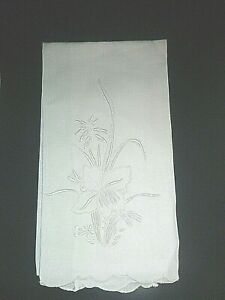 Vintage Madeira Guest Towel with Hand Embroidered Iris Crisp White