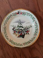 """New Collectible Lenox Holiday Plate Mickey & Co. Disney """"First Snow"""" 8-Inch"""