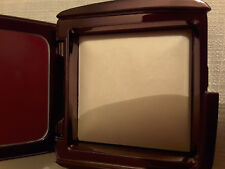 Hourglass ambient diffused light