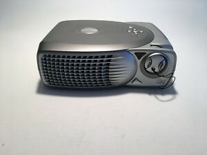 DELL DIGITAL 2100 MP PROJECTOR WITH REMOTH AND TRAVEL CASE