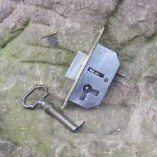 altes Einsteckschloss Schrankschloss Dornmaß 10mm Möbelschloss 45x23mm
