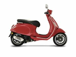 2020 Vespa Sprint 50 iGet, ROSSO PASS with 5 Miles available now!