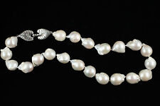 """Natural 18"""" Whte Baroque Pearl necklace"""