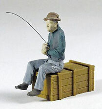 FISHING MAN SITTING O On30 1:48 Model Railroad or Diorama Painted Figure FRA1192