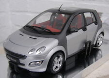 SMART FORFOUR  KYOSHO 1/18  STARLIGHT SILVER  IN DEALERBOX EXCLUSIVE EDITION