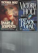 VICTORIA HOLT - SNARE OF SERPENTS - A LOT OF 2 BOOKS