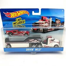 Hot Wheels Drivin' Wild City Nitro Scorcher Red Car with Rig and Detachable Cab