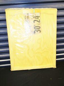 CUPBOARD DOOR 76.2 x 61cm