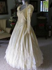 Vintage Victorian Style Ivory Wedding Gown Dress