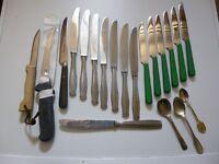 Lot :17 Couteaux de cuisine divers Victorinox - le parfait  + 3 cuillères