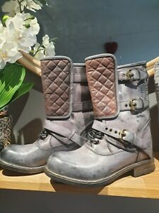 SUPER RARE UGG SAVONA LEATHER QUILTED BOOT IN PLUM SIZE 5. WOW!! RARE!!