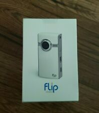 Flip UltraHD Video Camera White & Chrome, 8 GB, 2 Hours  U2120W NIB