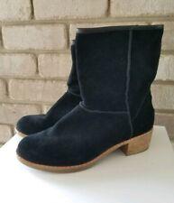 NEW UGG Australia Cyrinda 1004366 Black Suede Boot Womens US 6 Bootie NWOT