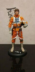 Statue Attakus 1/10 Luke Skywalker Snowspeeder très bonne état.