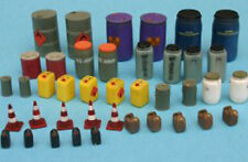 Pro Art Models 1/35 #35011 Modern Oil/Chemical Drums & Canisters Set