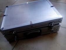 MICROFONO D'ARGENTO FLIGHT CASE-chiudibile a chiave in alluminio BOX vintage anni 1980