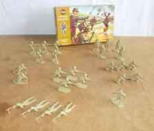 Vintage AIRFIX 1/32 scale JAPANESE INFANTRY - incomplete box 26 pieces - 70s