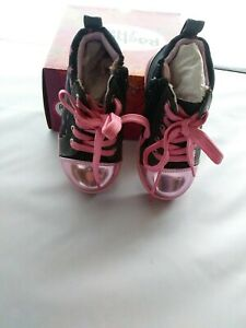 Child's Shoes by Rachel. Size 7M.Zip sides. NIB. Make Offer