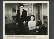 RAY MILLAND + JANE WYMAN - 1945 THE LOST WEEKEND - BILLY WILDER DIRECTED CLASSIC