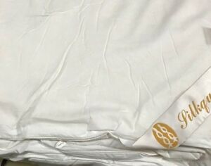 100% Mulberry Light-Weight Silk Comforter--U.S. Inventory & Sizzling Spring Sale