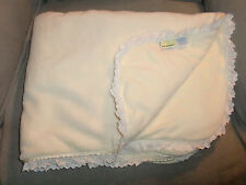 FIRST IMPRESSIONS BABY GIRL YELLOW QUILT BLANKET SHERPA LACY LACE PLUSH VELOUR