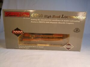 HO Scale Walthers Proto 2K High Hood GP20 Great Northern Diesel Locomotive #2010
