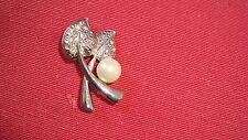 broche feuilles argentées avec perle