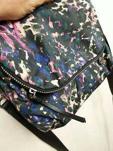 Lululemon Travel Bag Cross Body Go Your Om Way adjustable strap Messenger 26 cm