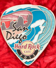 Hard Rock Cafe Pin SAN DIEGO Postcard GUITAR PICK Serie WAVE BEACH SKYLINE ocean