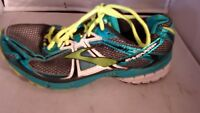 BROOKS RAVENNA 7  Green/Black Ladies Running Shoes Size 8 1/2M US 40EU