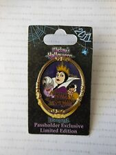 Disney Mickey Halloween Party 2011 VILLAINS Passholder Pin - Ursula Evil Queen+