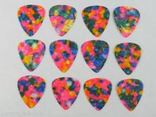 Plettri multicolore