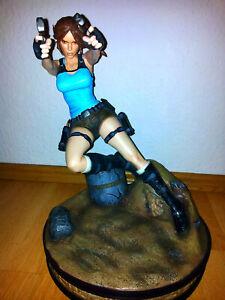 Lara Croft Statue Tempel des Osiris Gaming Heads mit OVP Neuwertig Nummer 479